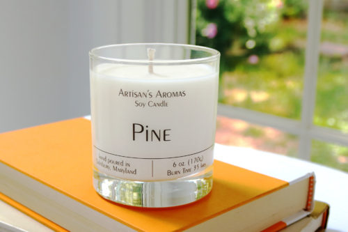 Soy candle scented pine