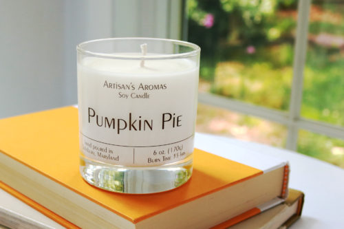 Soy candle scented pumpkin pie